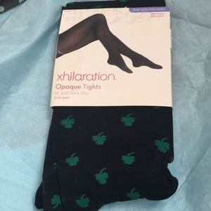 Opaque tights with shamrock